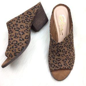 Sbicca Jerome Cheetah Print Mule Heels.